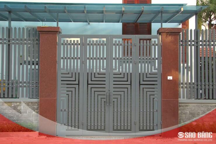Mẫu Cổng Sắt 4 Cánh Nhà Phố Đơn Giản