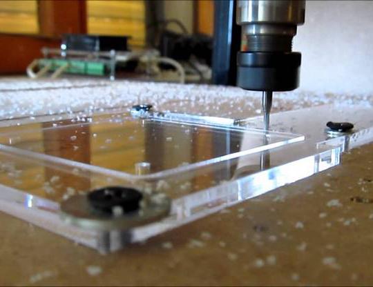 Giải Mã Công Nghệ Gia Công Khắc Laser Trên Mica Tại Sao Băng
