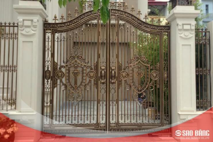 Mẫu Cổng Sắt Hàng Rào 2 Cánh Nhà Phố Hiện Đại