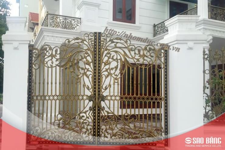Mẫu Cổng Sắt Hàng Rào 2 Cánh Nhà Phố Nghệ Thuật