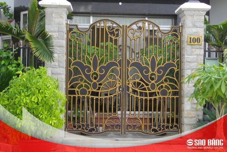 Mẫu Cổng Sắt 2 Cánh Nhà Phố Nghệ Thuật